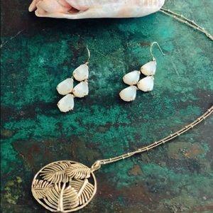 Stella&Dot Botanical earrings